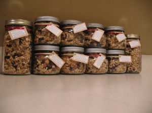 Homemade Granola for Christmas Gifts to Friends