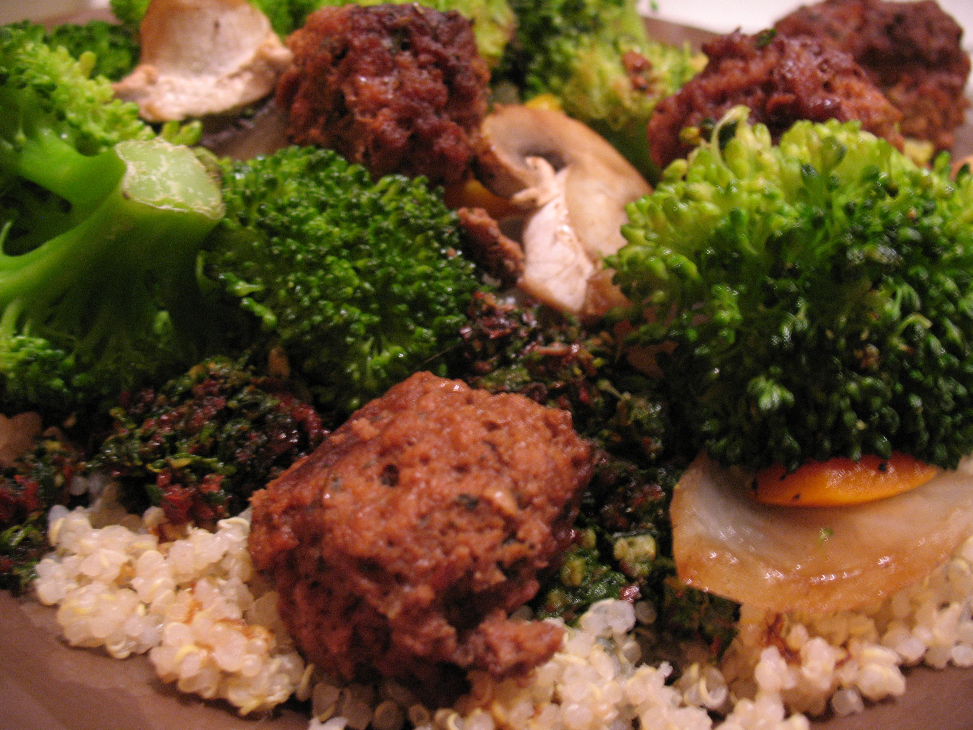 Roasted Veggies with quinoa, raw pesto, & meatballs