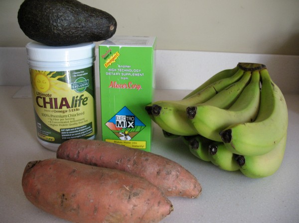 Chia seeds, sweet potatoes, avocados, bananas, and Emergen-C Eletro-Mix
