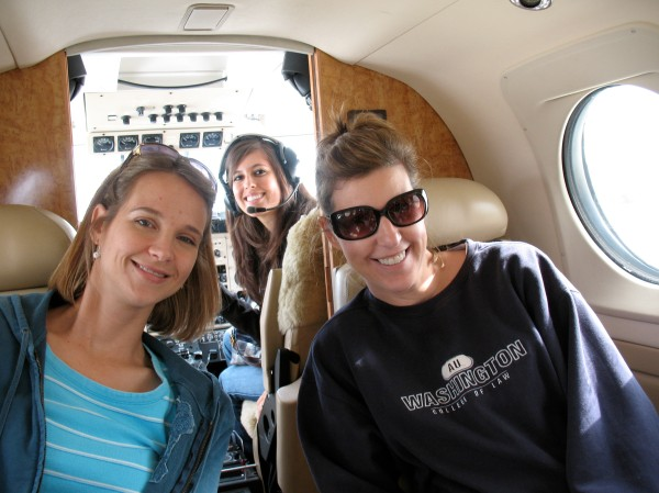 Roni, Kristy, and Gina up in the cockpit...she was missing her Pilot. :(